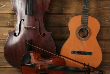 Collection of string instruments