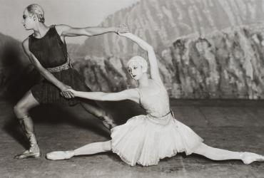 Two Ballet Russes dancers