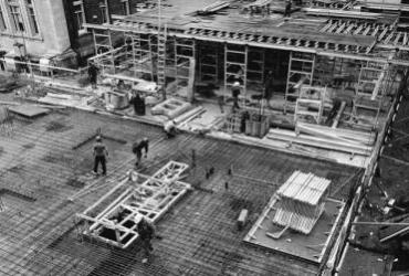 Photo of Gardiner Museum 1984 construction